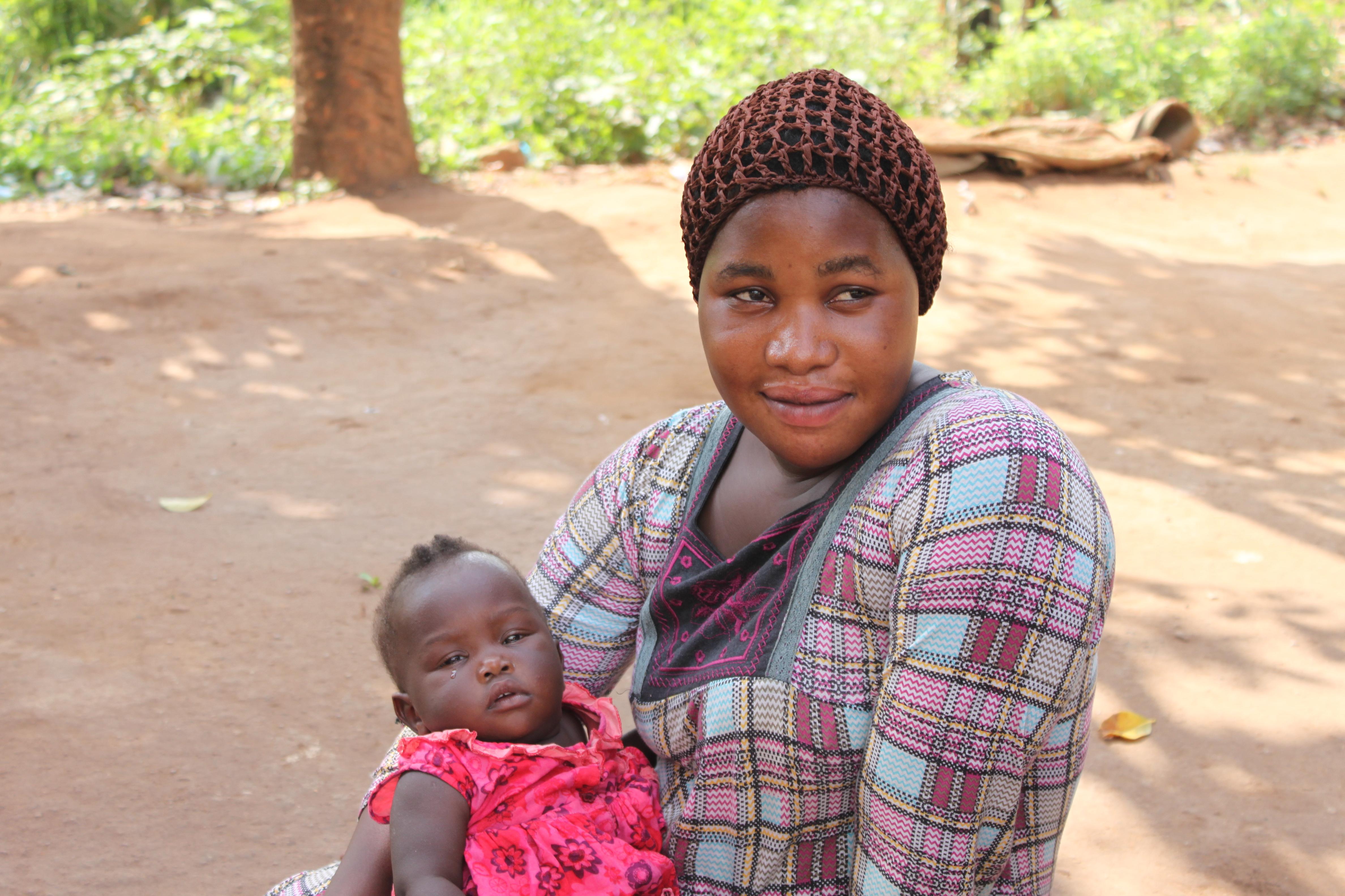 Halima (23) with her daughter Rashita (6 months), the latest addition to Halima's six children.